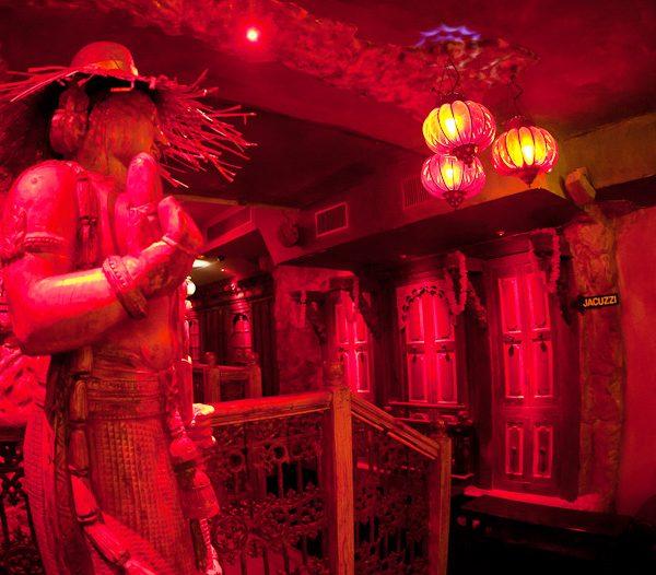 play rooms coins calins Moon City Paris (3)